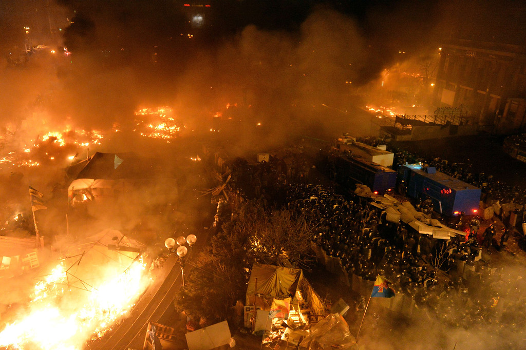 . Anti-government protesters clash with the police during their storming of Independence Square in Kiev on February 18, 2014.  AFP PHOTO/ SERGEI SUPINSKY/AFP/Getty Images