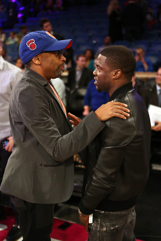 . US film director Spike Lee (L) chats with US actor Kevin Hart (R) prior to NBA All-Star Saturday Night festivities in New Orleans, Louisiana, USA, 15 February 2014.  EPA/DAN ANDERSON