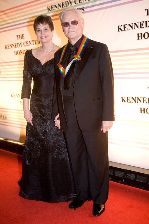 . Singer George Jones arrives with wife Nancy at the Kennedy Center for the Kennedy Center Honors on December 7, 2008 in Washington, DC. Jones is one of six honorees this year. In its 31st year, the Kennedy Center Honors recognizes honorees for their lifetime contributions to American culture through the performing arts. (Photo by Brendan Hoffman/Getty Images)