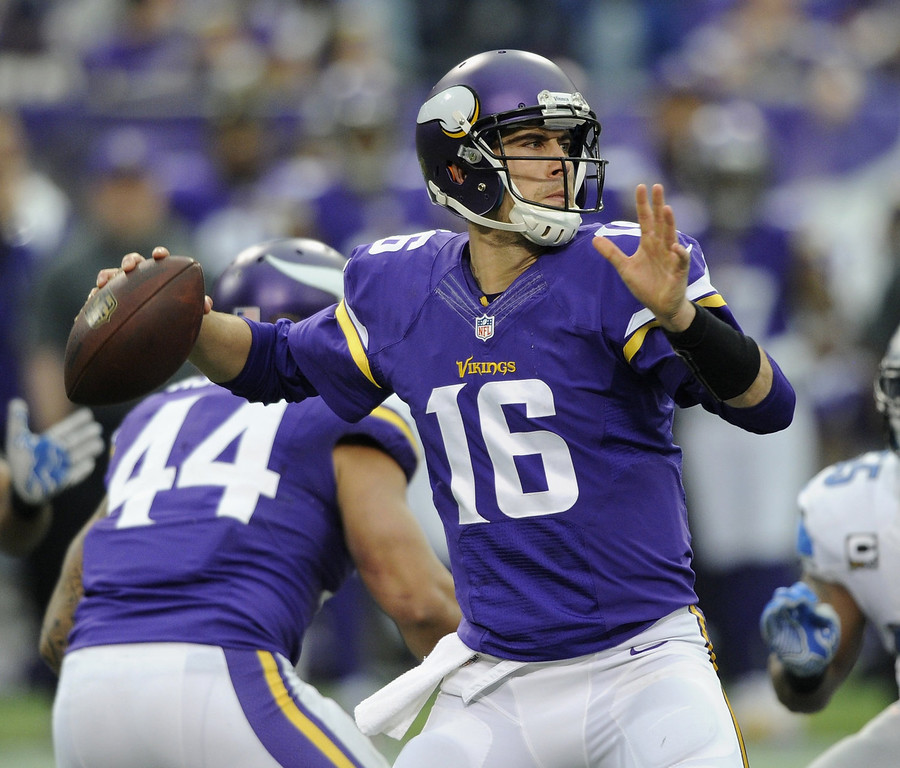 . Matt Cassel #16 of the Minnesota Vikings passes the ball during the second quarter against the Detroit Lions of the game on December 29, 2013 at Mall of America Field at the Hubert H. Humphrey Metrodome in Minneapolis, Minnesota. (Photo by Hannah Foslien/Getty Images)