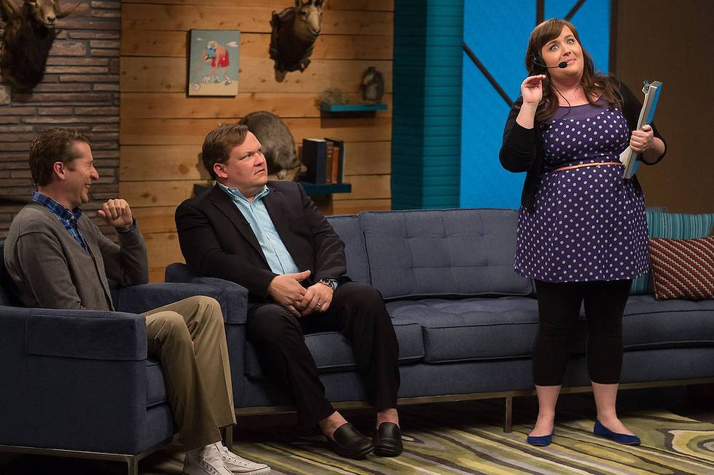 """. (L to R) Scott Aukerman, Andy Richter and Aidy Bryant in IFC\'s \""""Comedy Bang! Bang!\""""  (Photo by Chris Ragazzo/IFC)"""