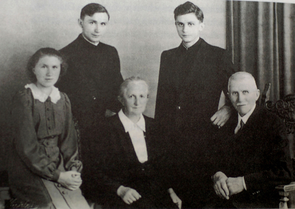 . UNDATED - JULY 8, 1951: Joseph Ratzinger (2nd R) is shown with his family; brother Georg (2nd L), father Josef (R), sister Maria (L,) and mother Maria on the day of the two brothers\' ordination to the priesthood July 8, 1951. Cardinal Joseph Ratzinger was elected Pope April 19, 2005 and has taken the name Benedict XVI.   (Photo by German Catholic News Agency KNA via Getty Images)