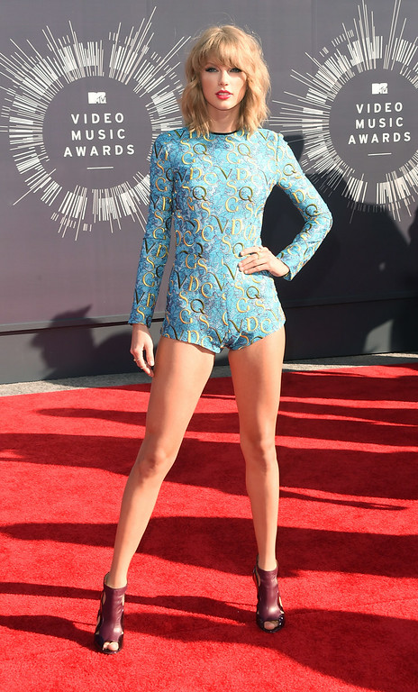 . Singer Taylor Swift attends the 2014 MTV Video Music Awards at The Forum on August 24, 2014 in Inglewood, California.  (Photo by Jason Merritt/Getty Images for MTV)