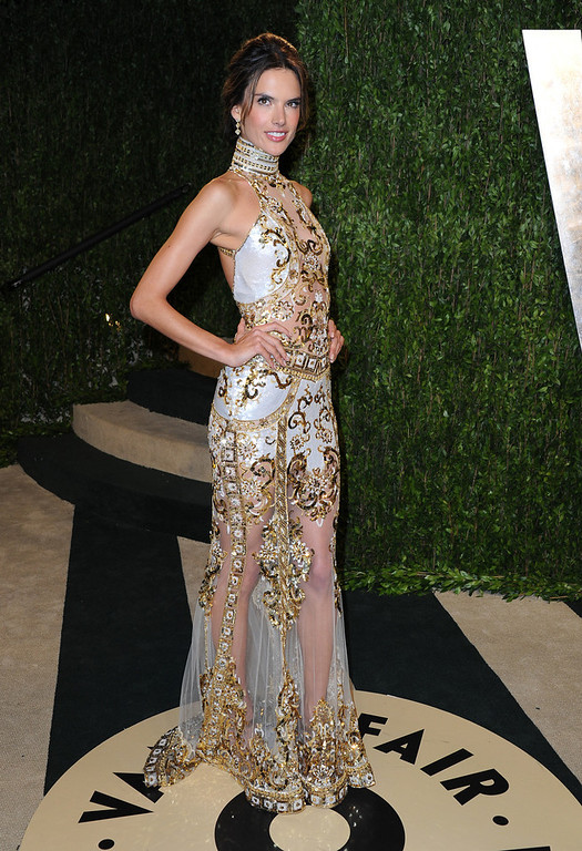 . Model Alessandra Ambrosio arrives at the 2013 Vanity Fair Oscar Party hosted by Graydon Carter at Sunset Tower on February 24, 2013 in West Hollywood, California.  (Photo by Pascal Le Segretain/Getty Images)