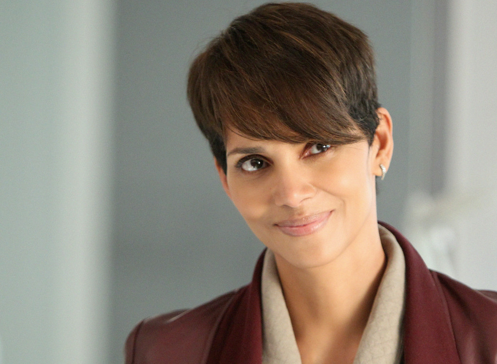 . Halle Berry starts as Molly Woods in CBS series EXTANT which premieres Wednesday, July 9 (9:00-10:00 PM, ET/PT) on CBS. Photo: Sonja Flemming/CBS ©2014 CBS Broadcasting, Inc. All Rights Reserved