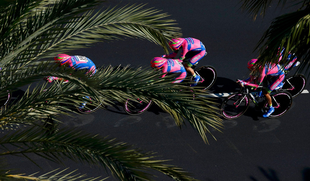 . Lampre-Merida team riders cycle on the Promenade des Anglais during the 25km team time-trial fourth stage of the centenary Tour de France cycling race in Nice July 2, 2013.    REUTERS/Benoit Tessier