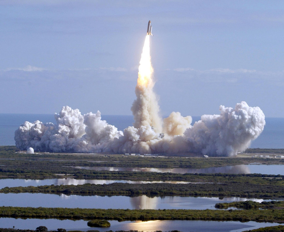 . The space shuttle Columbia blasts off of pad 39 A at the Kennedy Space Center in Cape Canaveral Jan. 16, 2003. NASA lost communication with space shuttle Columbia on Saturday, Feb. 1, 2003 as the ship soared over Texas several minutes before landing. (Pierre DuCharme/Lakeland Ledger)