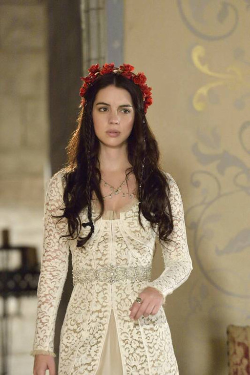 . Pictured: Adelaide Kane as Mary, Queen of Scots -- Photo: Ben Mark Holzberg/The CW -- © 2013 The CW Network, LLC.
