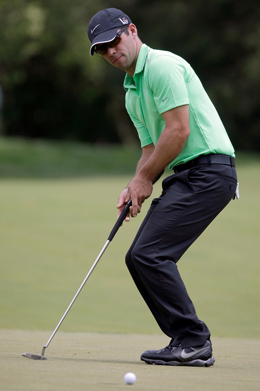 . Paul Casey, of England, reacts after missing a putt on the first hole during the third round of the U.S. Open golf tournament at Merion Golf Club, Saturday, June 15, 2013, in Ardmore, Pa. (AP Photo/Morry Gash)