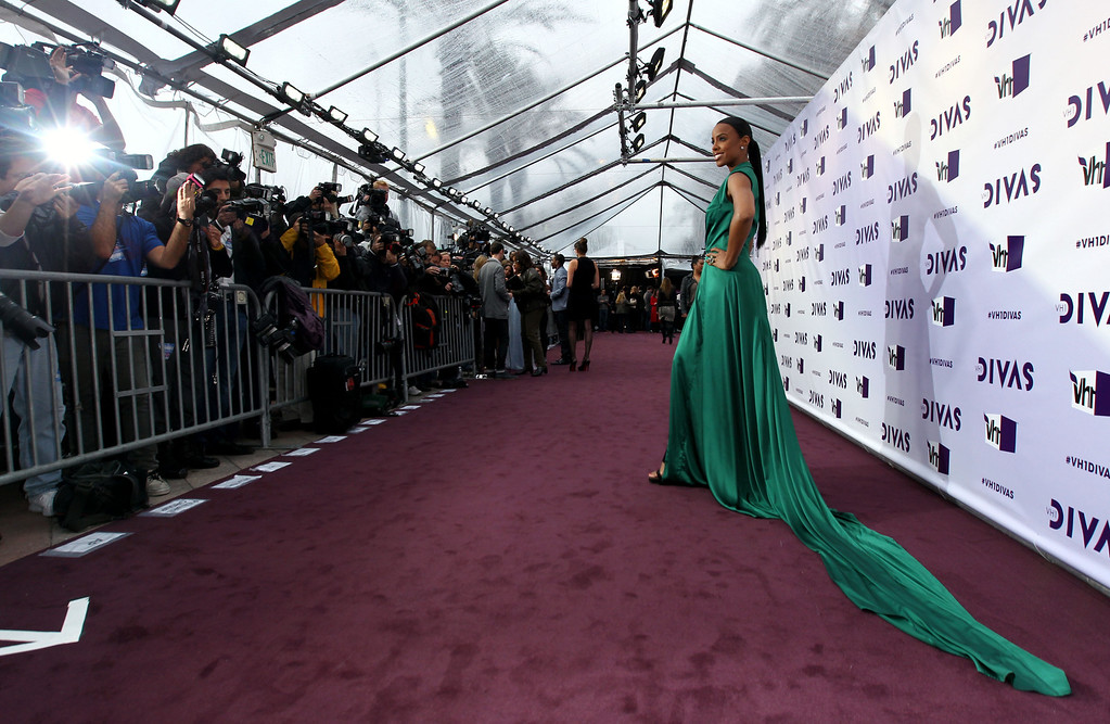 . Kelly Rowland arrives at VH1 Divas on Sunday, Dec. 16, 2012, at the Shrine Auditorium in Los Angeles. (Photo by Matt Sayles/Invision/AP)