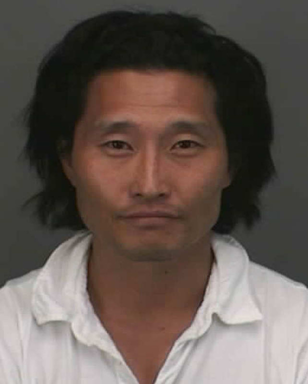 ". In this police booking mug released by the Honolulu Police Department, shown is Daniel Dae Kim, an actor on the television series ""Lost,\""  Thursday, Oct. 25, 2007, in Honolulu, Hawaii. Honolulu Police arrested Kim early Thursday after an officer spotted him driving erratically at about 2:30 a.m. He was booked at the downtown police station and released after posting bail. (AP Photo/Honolulu Police Department)"