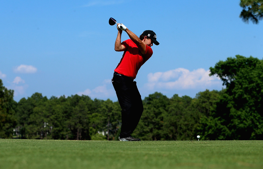 . Erik Compton of the United States hits his tee shot on the fourth hole during the final round of the 114th U.S. Open at Pinehurst Resort & Country Club, Course No. 2 on June 15, 2014 in Pinehurst, North Carolina.  (Photo by Andrew Redington/Getty Images)