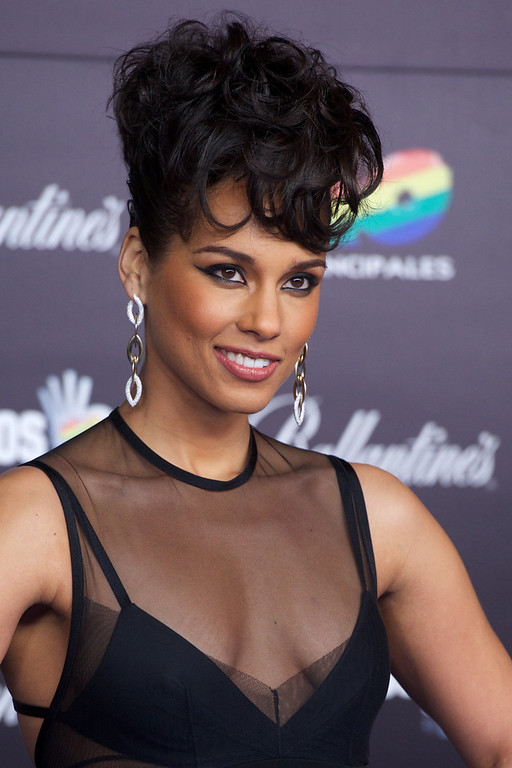 ". Alicia Keys attends ""40 Principales Awards\"" 2012 photocall at Palacio de los Deportes on January 24, 2013 in Madrid, Spain.  (Photo by Carlos Alvarez/Getty Images)"