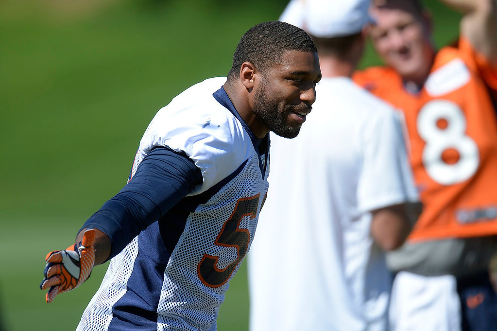 . Denver Broncos outside linebacker Wesley Woodyard (52) stretches before practice September 3, 2013 at Dove Valley. (Photo by John Leyba/The Denver Post)