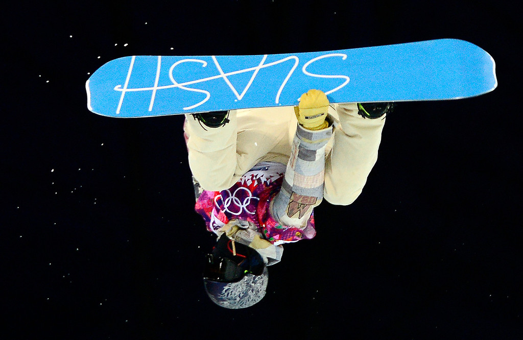. US Gregory Bretz competes in the Men\'s Snowboard Halfpipe Semifinals at the Rosa Khutor Extreme Park during the Sochi Winter Olympics on February 11, 2014.       AFP PHOTO / JAVIER  SORIANO/AFP/Getty Images