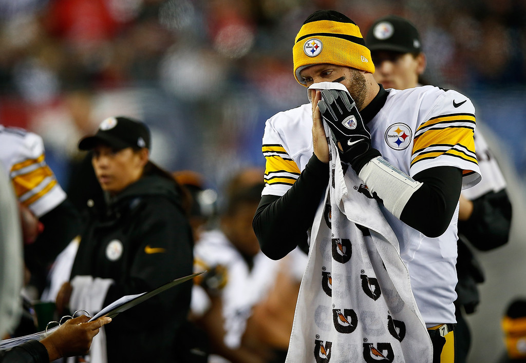 . Ben Roethlisberger #7 of the Pittsburgh Steelers looks at an image on the sideline after losing posession on fourth down against the New England Patriots in the second quarter at Gillette Stadium on November 3, 2013 in Foxboro, Massachusetts. (Photo by Jared Wickerham/Getty Images)