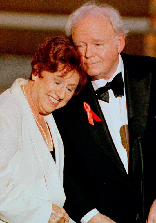 """. Actress Jean Stapleton rests her head on the shoulder of actor Carroll O\'Connor at the 48th Annual Emmy Awards in Pasadena, California  in this September 8 1996, file photo. Stapleton, best known for her role as Edith Bunker in the hit 1970s\' television series \""""All in the Family,\"""" has died at age 90, the Los Angeles Times reported on June 1, 2013.  REUTERS/Sam Mircovich/Files"""