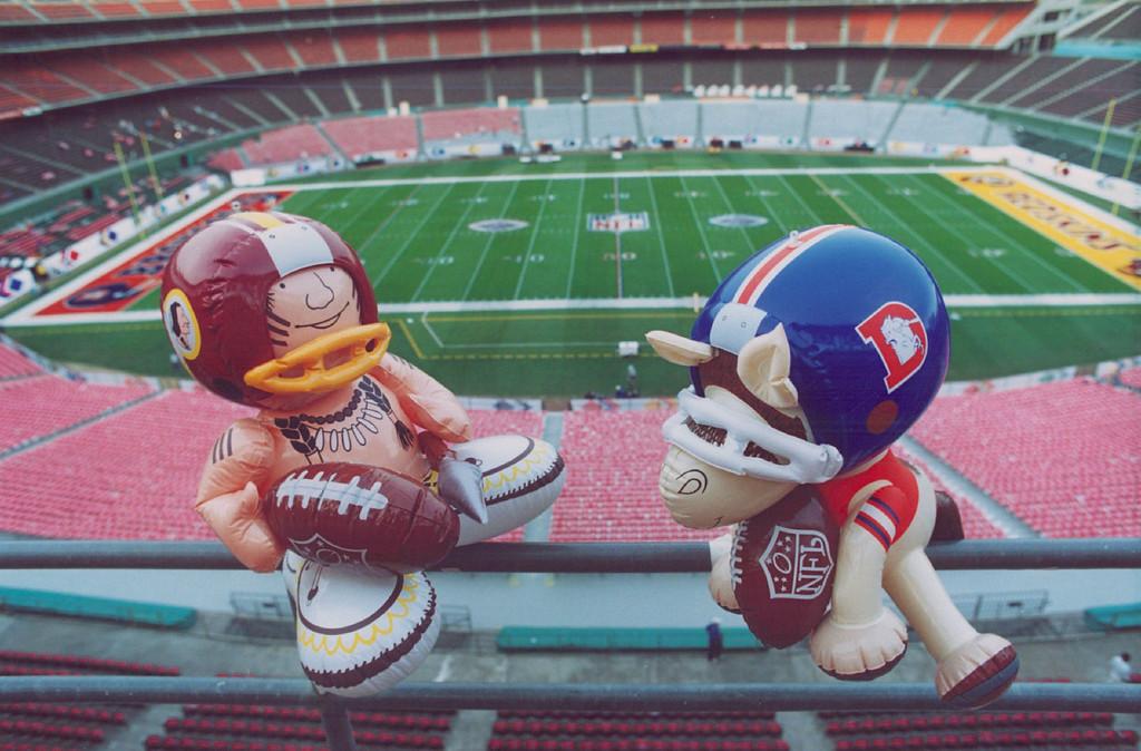 . 1988 - Broncos vs Redskins. Super Bowl. (Denver Post photo)