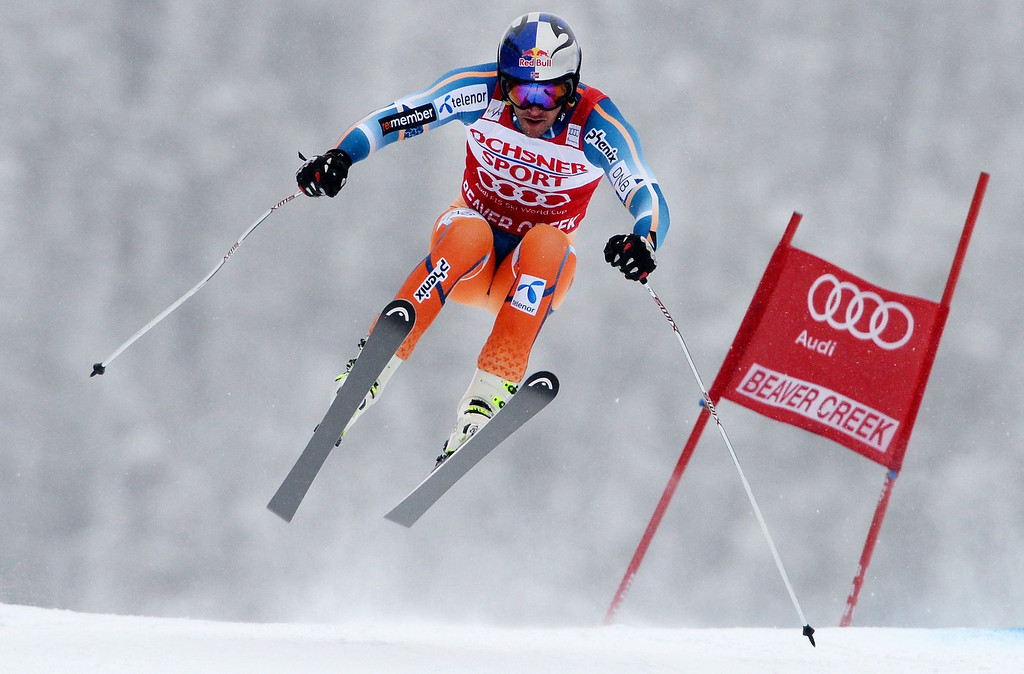 . Aksel Lund Svindal, of Norway, in action during the Men\'s Super-G race at the FIS Alpine Skiing World Cup in Beaver Creek, Colorado, USA, 07 December 2013.  EPA/JUSTIN LANE