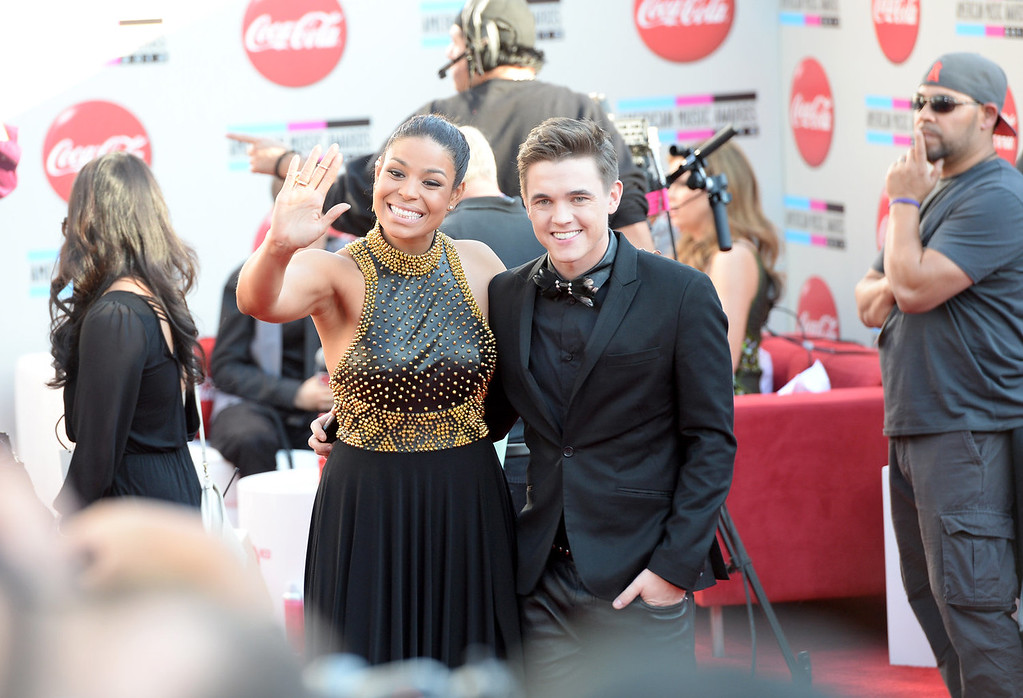 . Singers Jordin Sparks and Jesse McCartney attends the 2013 American Music Awards at Nokia Theatre L.A. Live on November 24, 2013 in Los Angeles, California.  (Photo by Jason Kempin/Getty Images)