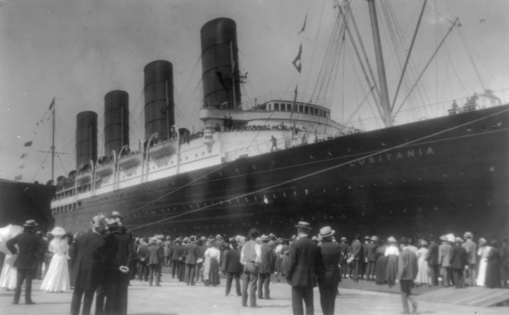 . LUSITANIA arriving in N.Y. for first time, Sept. 13, 1907: starboard view; crowd at dock; people waving from ship.  Johnston, Frances Benjamin, 1864-1952, photographer. Library of Congress