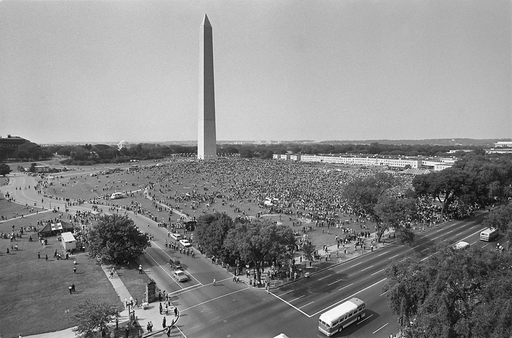 ". WASHINGTON, :  More than 200,000 civil right militants rather 28 August 1963 on the Mall in Washington DC  Washington Monument in background) during the ""March on Washington\"".  The civil rights leader Martin Luther King said the march was \""the greatest demonstration of freedom in the history of the United States.\"" AFP/AFP/Getty Images"