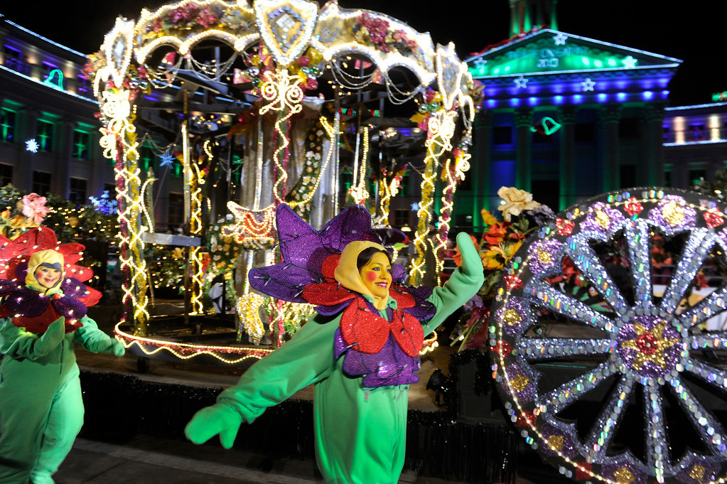 . DENVER, CO. - DECEMBER 06: Flowers blossomed in the Denver\'s sub zero temperatures as the 9News Parade of Lights kicked off Friday night, December 6 2013.  Photo By Karl Gehring/The Denver Post