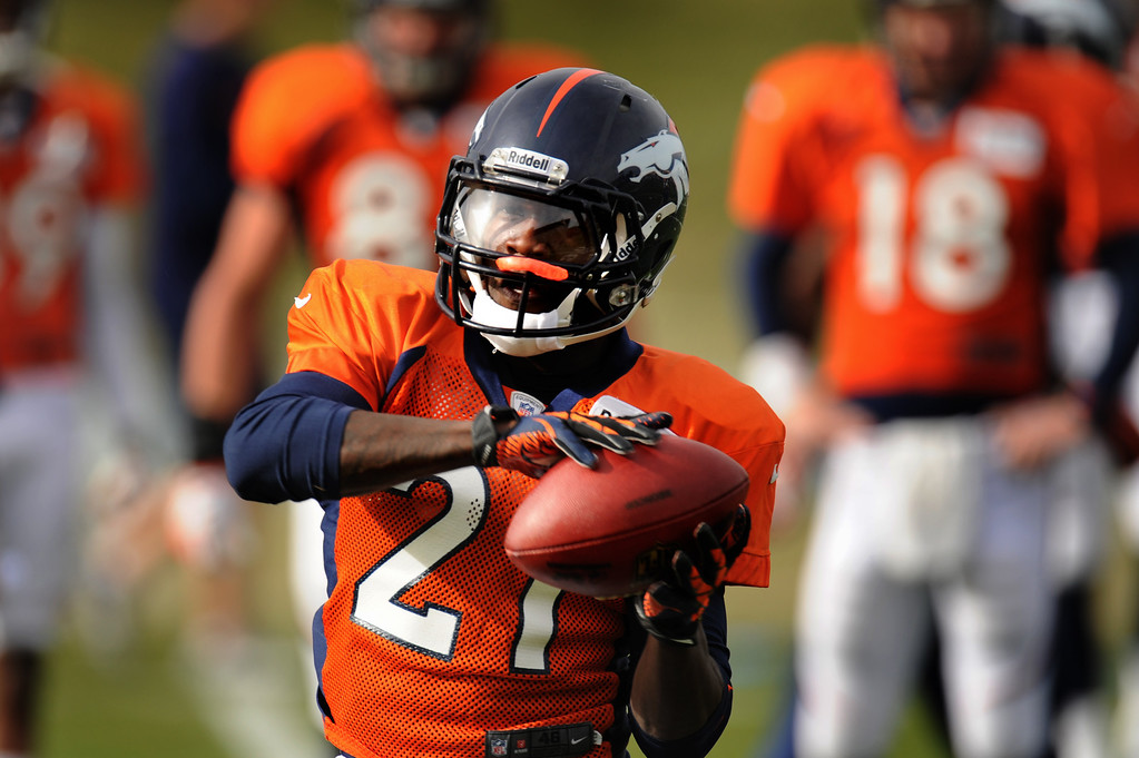 . Denver Broncos running back Ronnie Hillman #21 pulls in a pass during Broncos practice for their coming game against the Tampa Bay Buccaneers at Dove Valley in Denver Colorado Wednesday, November 28,  2012.    Joe Amon, The Denver Post