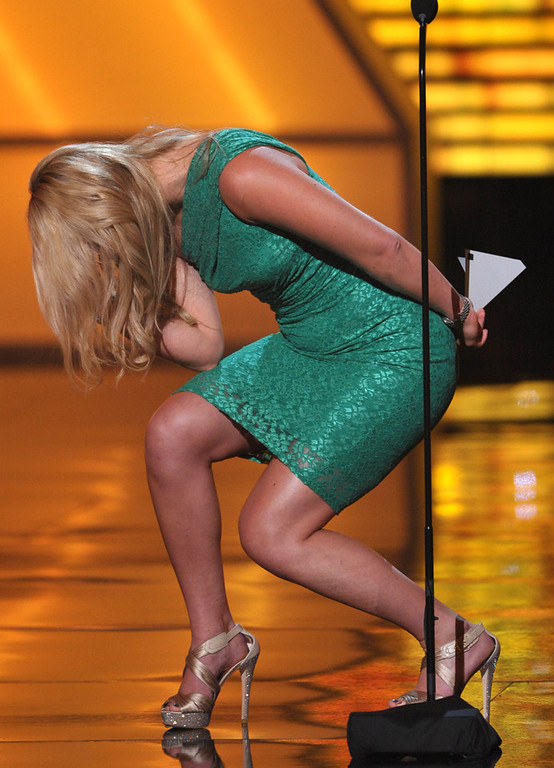 . Lindsey Vonn tebows onstage at the ESPY Awards on Wednesday, July 11, 2012, in Los Angeles. (Photo by John Shearer/Invision/AP)