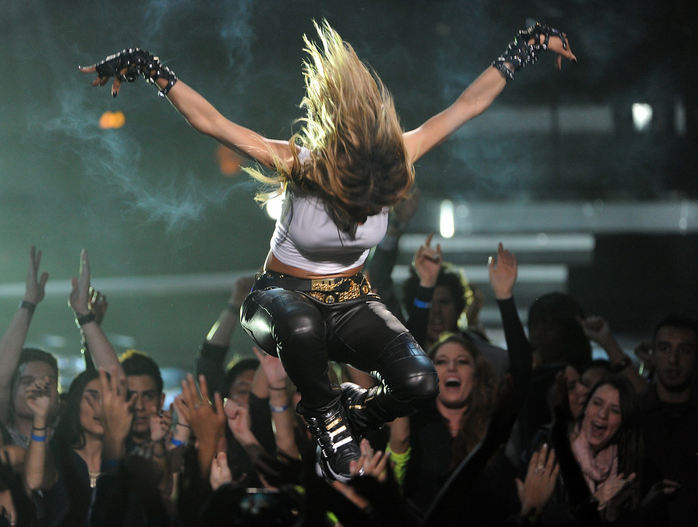 """. LOS ANGELES, CA - DECEMBER 16:  Singer Ciara performs onstage during \""""VH1 Divas\"""" 2012 at The Shrine Auditorium on December 16, 2012 in Los Angeles, California.  (Photo by Kevin Winter/Getty Images)"""