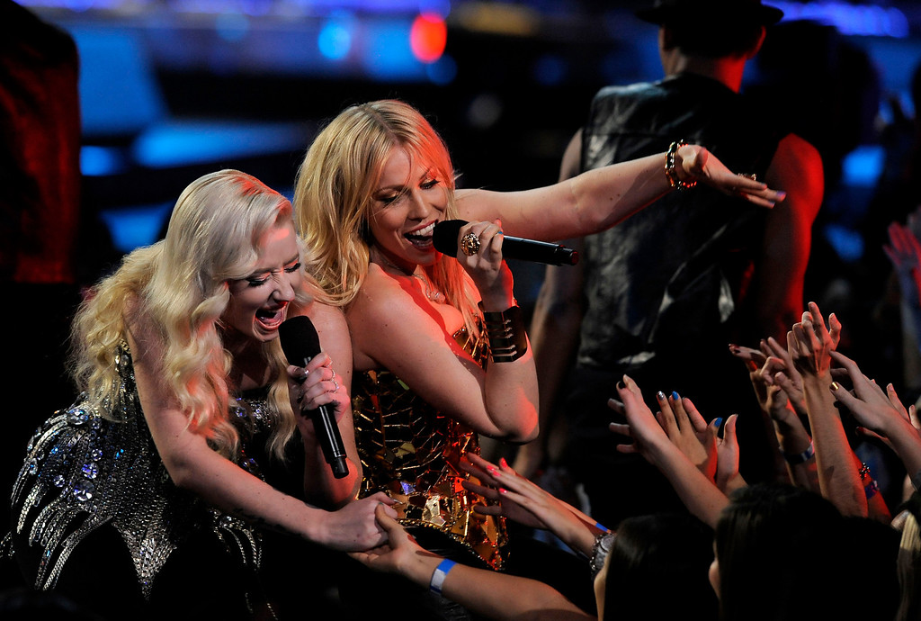 . Iggy Azalea, left, and Natasha Bedingfield perform during VH1 Divas on Sunday, Dec. 16, 2012, at the Shrine Auditorium in Los Angeles. (Photo by Chris Pizzello/Invision/AP)