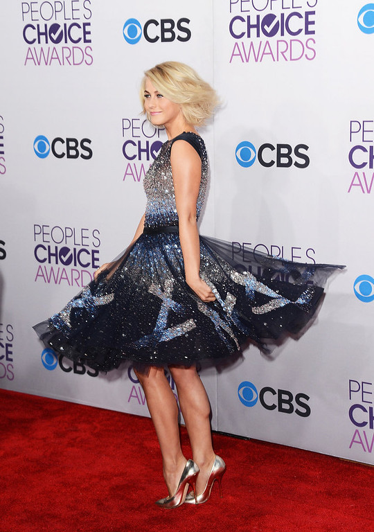 . Actress Julianne Hough attends the 39th Annual People\'s Choice Awards at Nokia Theatre L.A. Live on January 9, 2013 in Los Angeles, California.  (Photo by Jason Merritt/Getty Images)