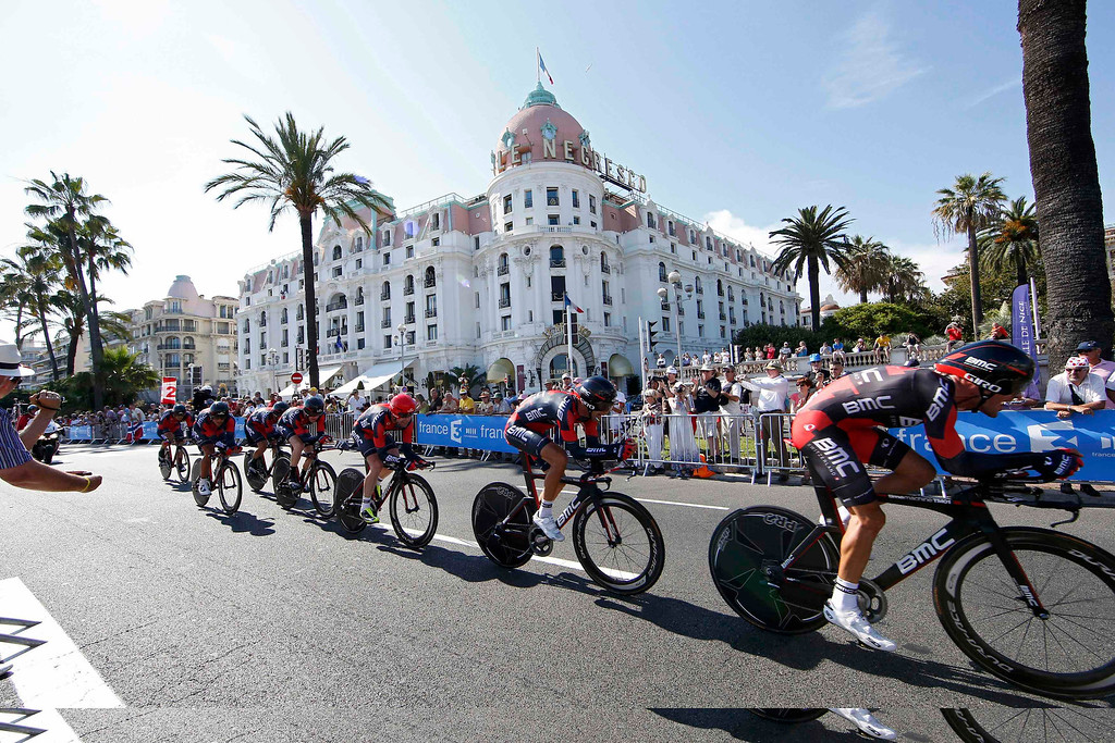 . BMC team riders cycle on the Promenade des Anglais during the 25km team time-trial fourth stage of the centenary Tour de France cycling race in Nice July 2, 2013.      REUTERS/Eric Gaillard