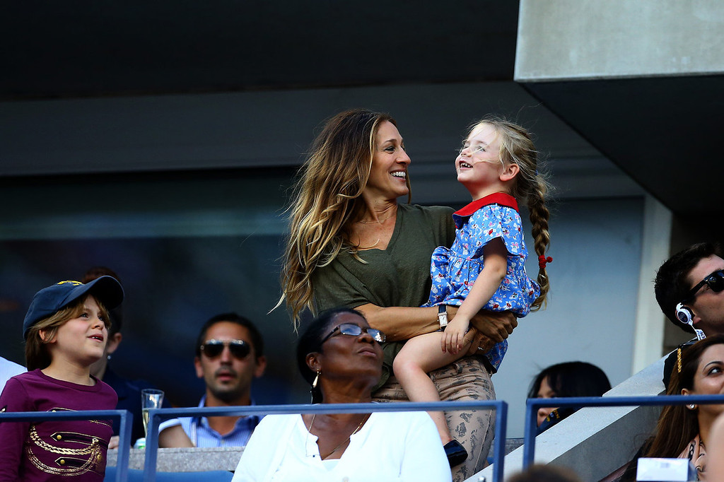 . Sarah Jessica Parker attends the women\'s singles final match between Victoria Azarenka of Belarus and Serena Williams of the United States of America on Day Fourteen of the 2013 US Open at the USTA Billie Jean King National Tennis Center on September 8, 2013 in the Flushing neighborhood of the Queens borough of New York City.  (Photo by Al Bello/Getty Images)