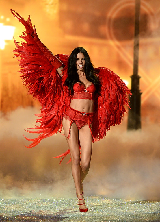 . Model Adriana Lima walks the runway at the 2013 Victoria\'s Secret Fashion Show at Lexington Avenue Armory on November 13, 2013 in New York City.  (Photo by Dimitrios Kambouris/Getty Images for Victoria\'s Secret)
