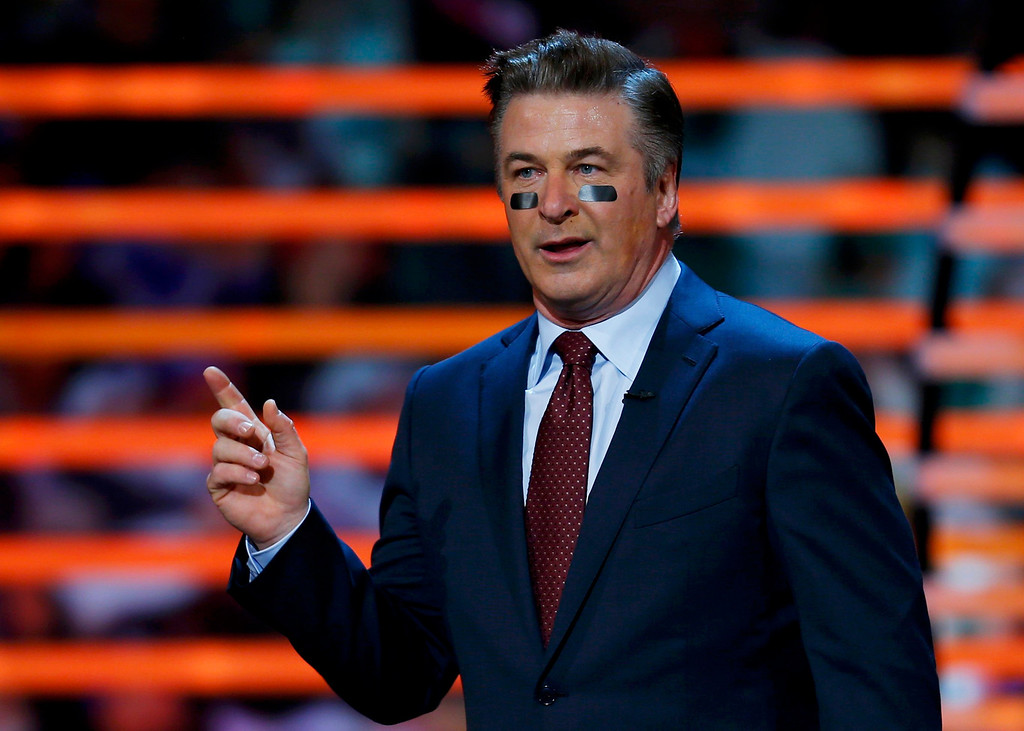 . Host Alec Baldwin speaks during the NFL Honors award show in New Orleans, Louisiana February 2, 2013.  REUTERS/Jeff Haynes