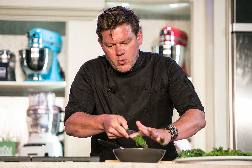 """. Tyler Florence demonstrated \""""Build a Better Burger\"""" in Aspen.(Provided by Galdones Photography/FOOD & WINE)"""