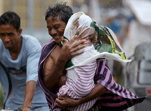 PHOTOS: Typhoon Rammasun hits Philippines