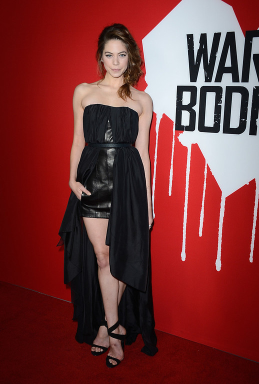 ". Actress Analeigh Tipton arrives at the premiere of Summit Entertainment\'s ""Warm Bodies\"" at ArcLight Cinemas Cinerama Dome on January 29, 2013 in Hollywood, California.  (Photo by Frazer Harrison/Getty Images)"