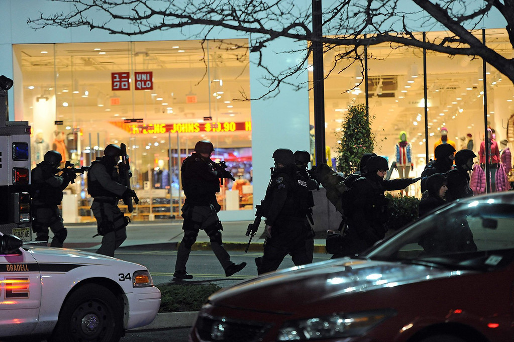 . Police and SWAT teams descend on the scene of a shooting at Westfield Garden State Plaza mall in Paramus, New Jersey, on Monday, November 4, 2013. (Tyson Trish/The Record/MCT)