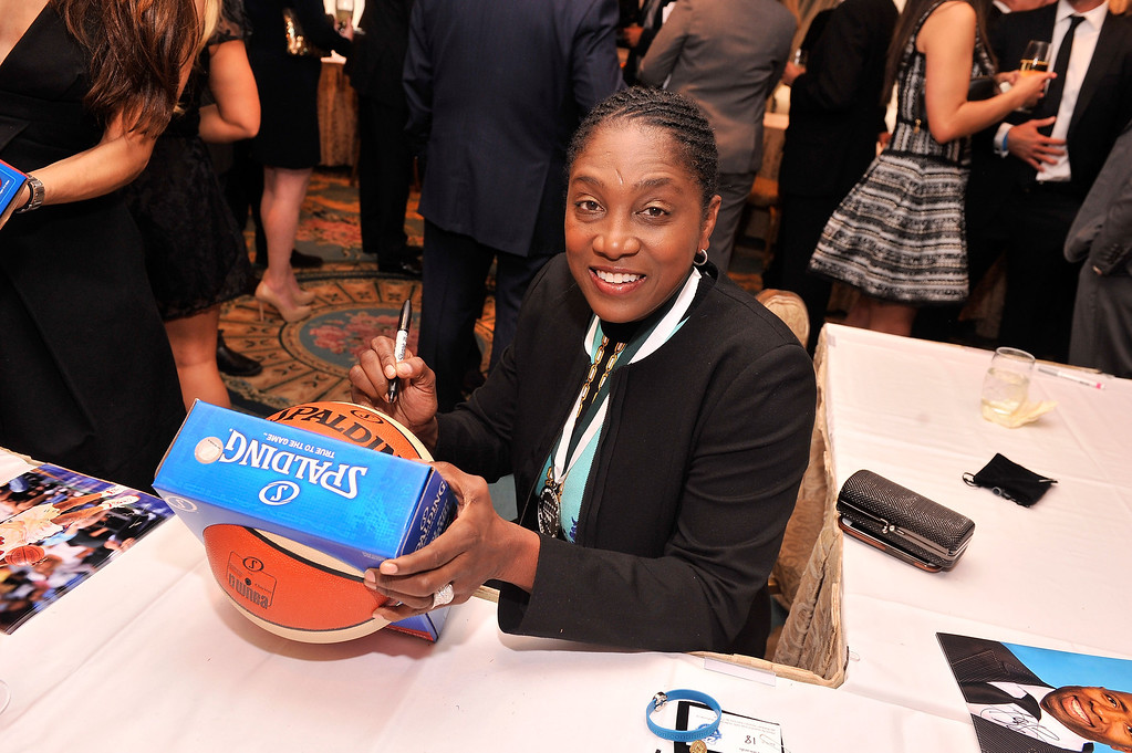 . Legend and WNBA player Teresa Edwards attends the 28th Annual Great Sports Legends Dinner to Benefit The Buoniconti Fund To Cure Paralysis at The Waldorf Astoria on September 30, 2013 in New York City.  (Photo by Stephen Lovekin/Getty Images for The Buoniconti Fund To Cure Paralysis)