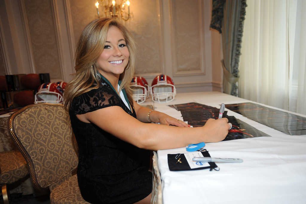 . Legend and Olympic gymnast Shawn Johnson attends the 28th Annual Great Sports Legends Dinner to Benefit The Buoniconti Fund To Cure Paralysis at The Waldorf Astoria on September 30, 2013 in New York City.  (Photo by Brad Barket/Getty Images for The Buoniconti Fund To Cure Paralysis)