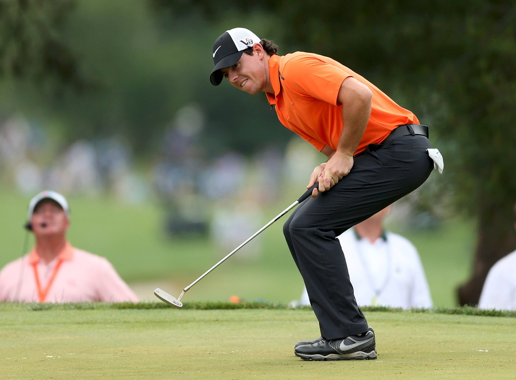 . Northern Ireland\'s Rory McIlroy reacts after missing a putt on the 10th green during the second round of the 2013 U.S. Open golf championship at the Merion Golf Club in Ardmore, Pennsylvania, June 14, 2013. REUTERS/Adam Hunger