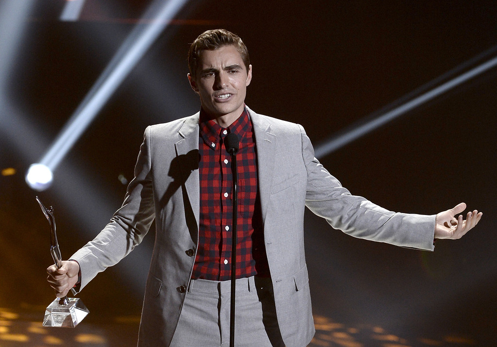 . Actor Dave Franco receives the Fan Favorite Award onstage during CW Network\'s 2013 Young Hollywood Awards presented by Crest 3D White and SodaStream held at The Broad Stage on August 1, 2013 in Santa Monica, California.  (Photo by Kevin Winter/Getty Images for PMC)