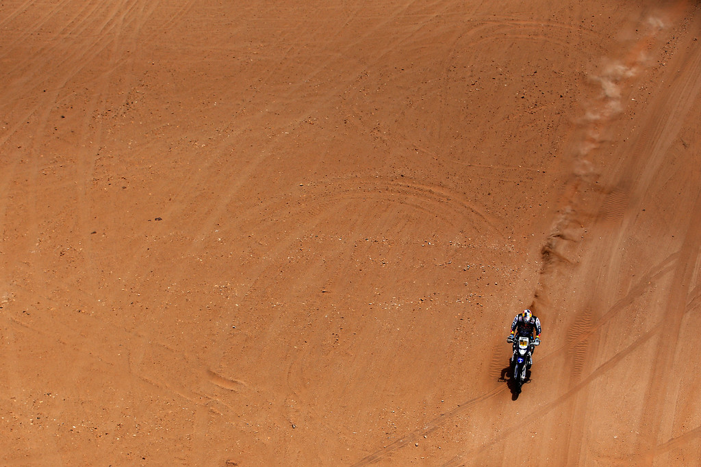 . EL SALVADOR, CHILE - JANUARY 17:  (#2) Marc Coma of Spain for the KTM Red Bull Rally Factory Team competes in stage 12 on the way to La Serena during Day 13 of the 2014 Dakar Rally on January 17, 2014 in El Salvador, Chile.  (Photo by Dean Mouhtaropoulos/Getty Images)