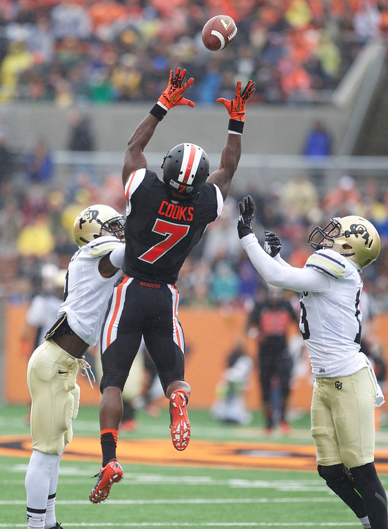 . Oregon State Beavers wide receiver Brandin Cooks (7) catches a pass to set-up a 1st-half touchdown against the Colorado Buffaloes at Reser Stadium in Corvallis Saturday.  Photo by Randy L. Rasmussen/The Oregonian