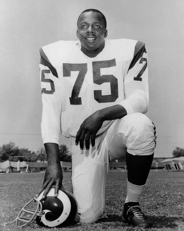 ". This is a 1966 file photo showing Los Angeles Rams\' David \""Deacon\"" Jones. (AP Photo/File)"