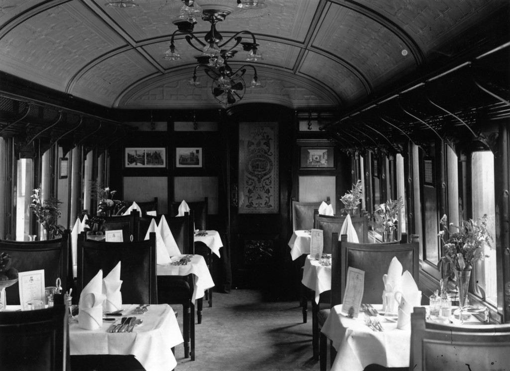 . 4th September 1909:  The dining car of the Lusitania\'s boat train, at Fishguard.  (Photo by Topical Press Agency/Getty Images)