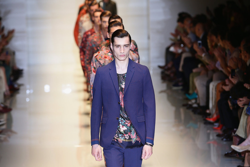 . Models walk the runway at the Gucci show during Milan Menswear Fashion Week Spring Summer 2014 show on June 24, 2013 in Milan, Italy.  (Photo by Vittorio Zunino Celotto/Getty Images)