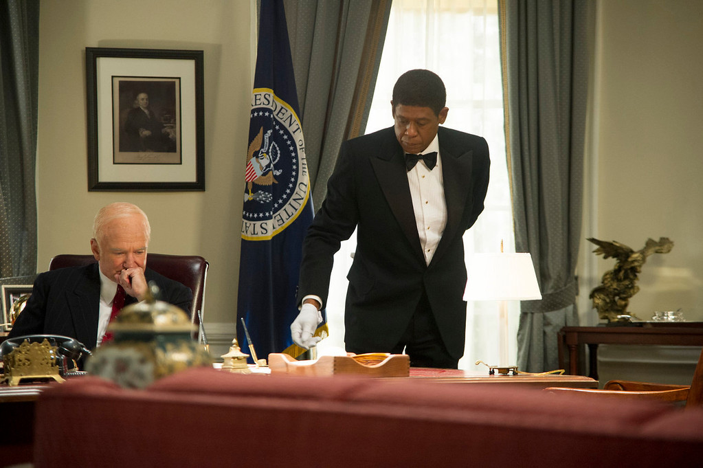 """. Robin Williams as Dwight Eisenhower, left, and Forest Whitaker as Cecil Gaines in a scene from \""""Lee Daniels\' The Butler.\"""" (AP Photo/The Weinstein Company, Anne Marie Fox)"""